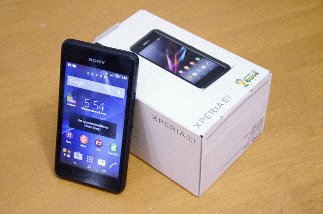 Photo of Sony Xperia E1 handset and packaging